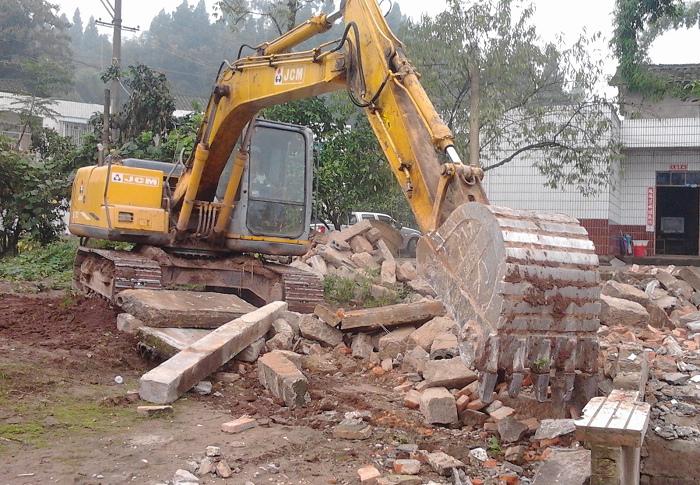 鹤林乡柳垭村扎实推进灾后重建工作