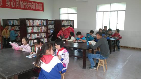 汇东乡中心学校全面开放图书室