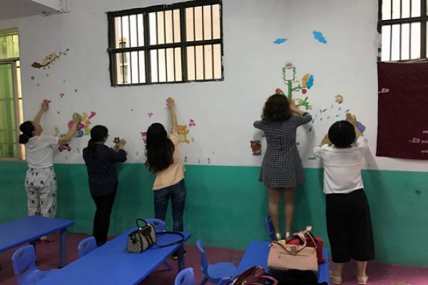 渠南学校幼儿园:巧手装扮教室 营造温馨乐园-四川省