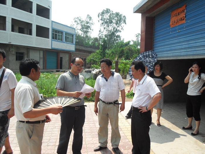 市民政局长张洪波赴渠县三汇镇检查指导灾后重建工作